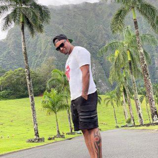 Aloha  . . . . . . . . . . . . . . . . . . . . . . . . . . . #ohau #hawaii #photooftheday #photo #picoftheday #igers #travel #igtravel #instatravel #travelgram #beautiful #travelblogger #explore #me #swag #youngblacktravelersblog #amazing #tweegram #bestoftheday #nature #outdoors #wanderlust #islandlife #nike #palmtrees #tweegram #bestoftheday #instadaily #instacool #life