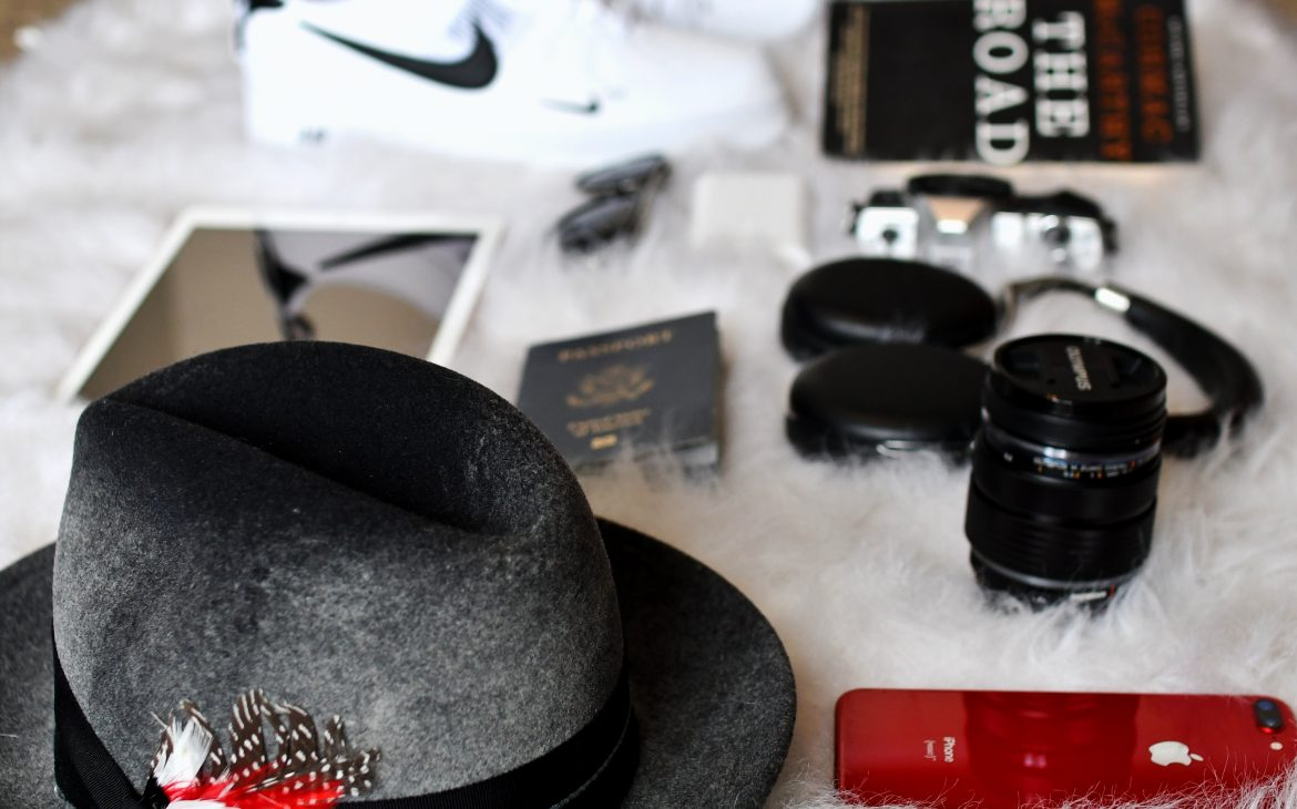 11 THINGS YOU SHOULD PACK WHEN TRAVELING
