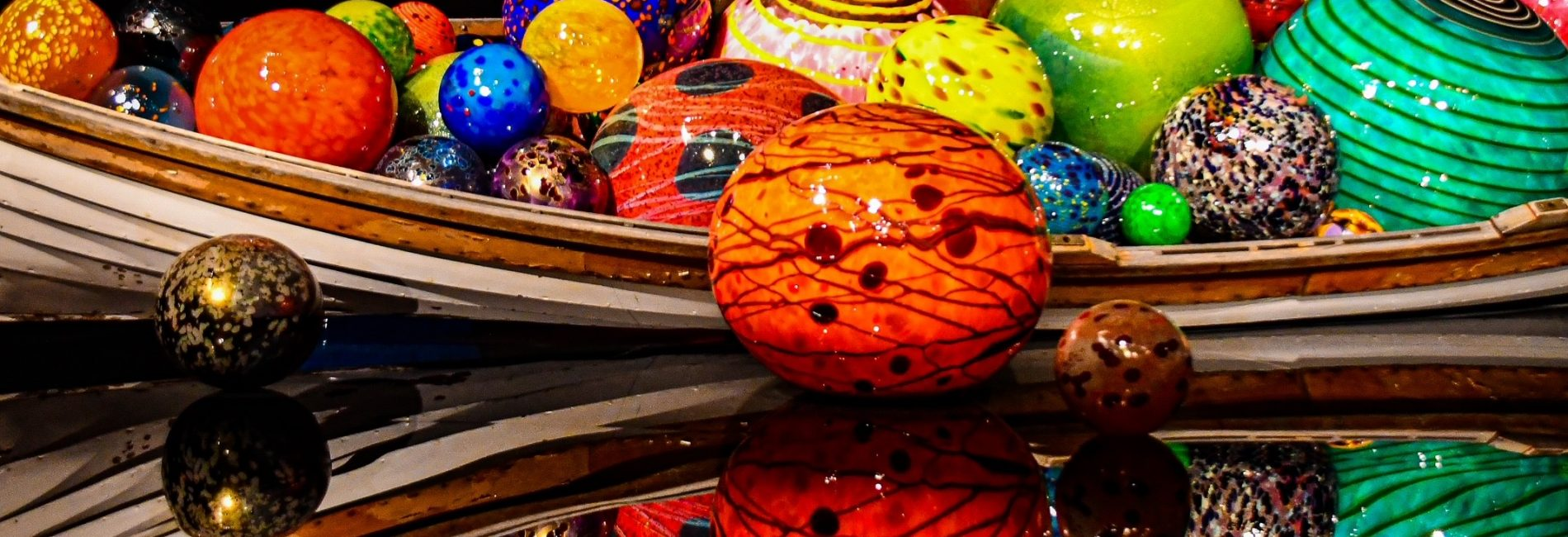 CHIHULY GLASS AND GARDEN: 7 REASONS TO VISIT IN PICTURES